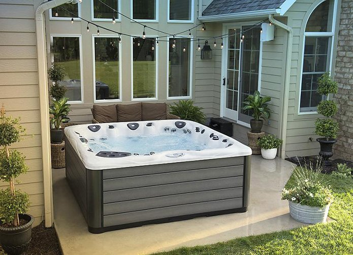 How Long Will My Hot Tub Last? | Cleveland OH