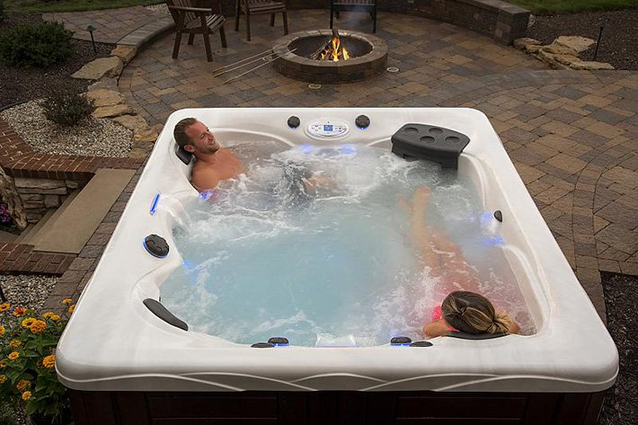 5 Reasons to Purchase a Hot Tub for Your Home | Cleveland OH